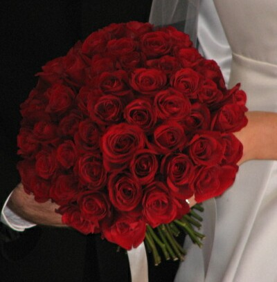 Aliexpress Com Wedding Flowers Bridal Bouquet Red Roses Accessories Bride Holding Fe18 From