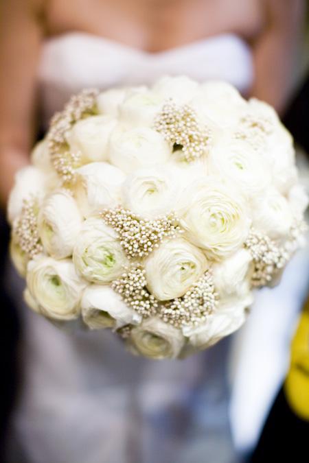 white wedding flower bouquets