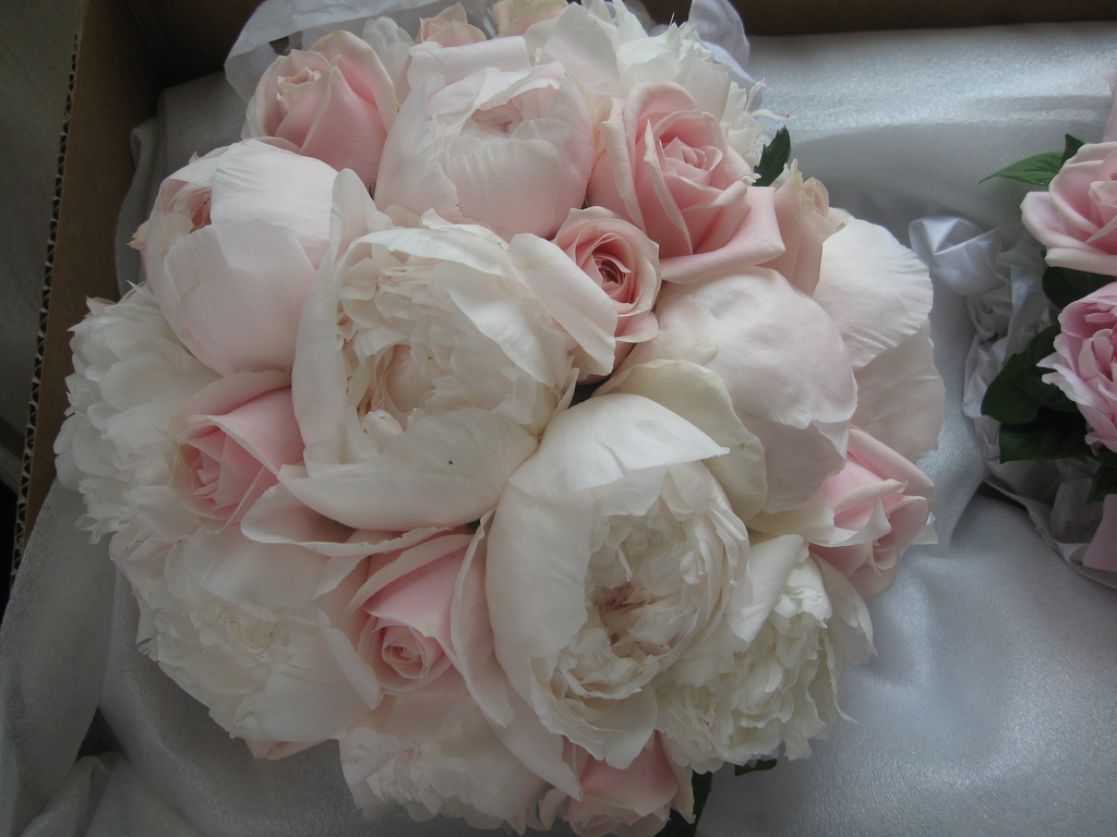wedding bouquets with peonies