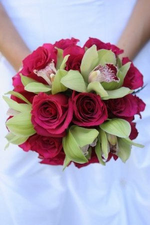 Red Roses Green Orchids