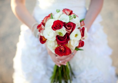 Red And White Roses Bouquet Wedding Flower