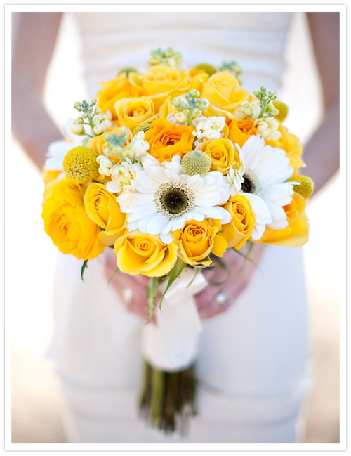 White And Yellow Flowers Bouquet Roses and daisi...