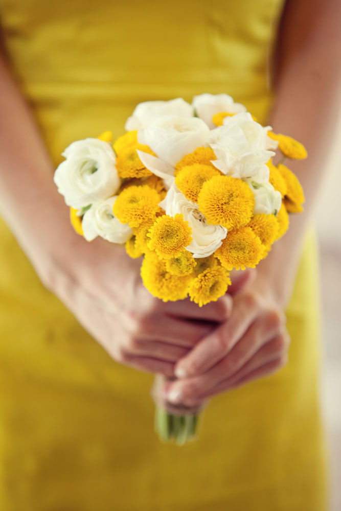 White And Yellow Flowers Bouquet 1000+ ideas abo...