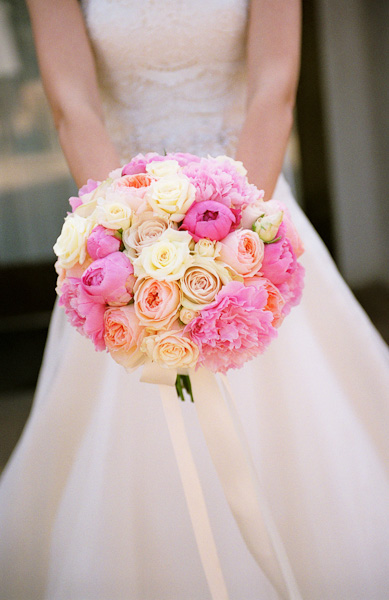 roses bouquet pastel pink yellow