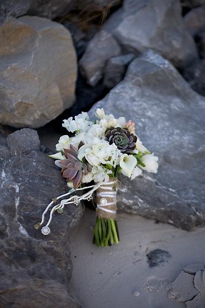 white modern bouquet