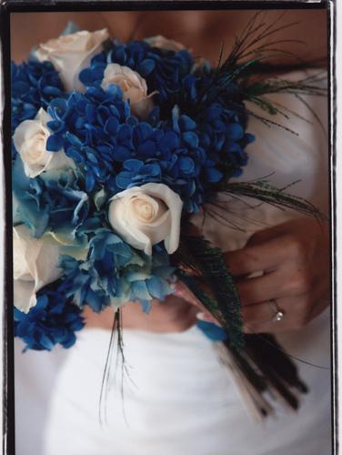blue white bouquet