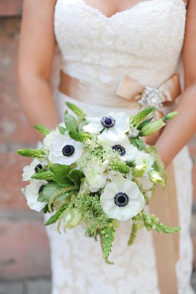 anemone bridal boqsueut