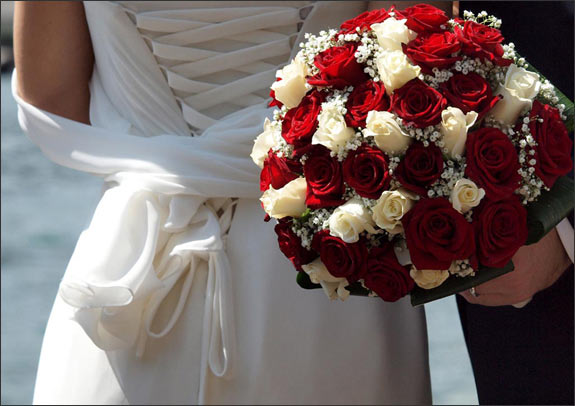 Red and white archives bouquet wedding flower red and white roses mightylinksfo