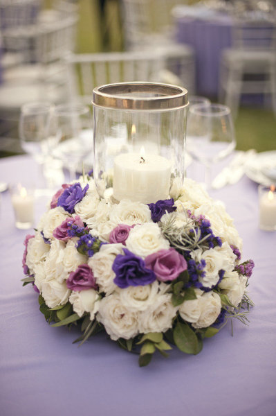 blue-white-wedding-bouquet-table