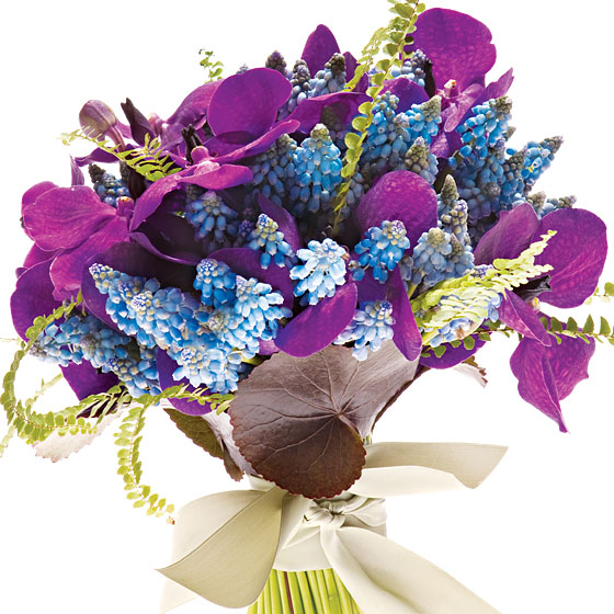 muscari-purple-orchids-bouquet