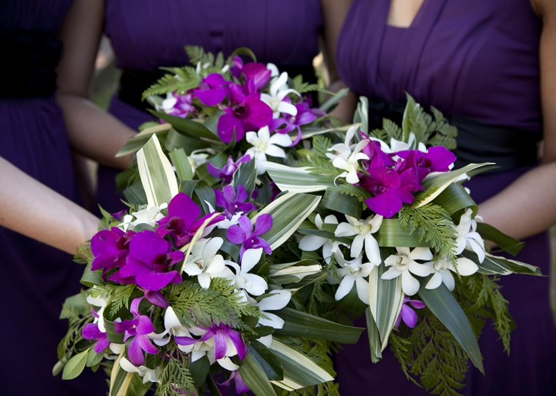 bridesmaid bouquet in purple