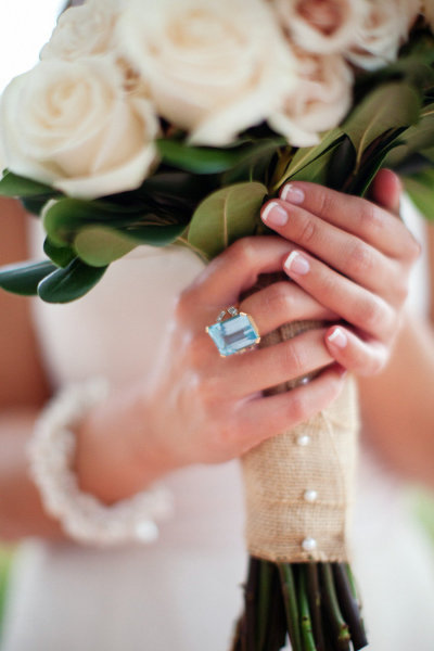 bouquet-white-ring