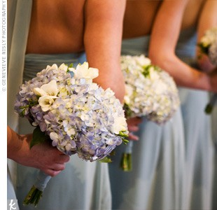 bridesmaids with blue hydrangeas