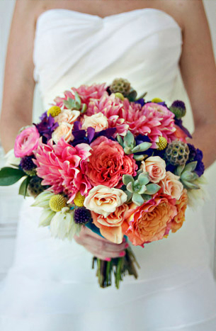 colorful-rustic-dahlia-bouquet