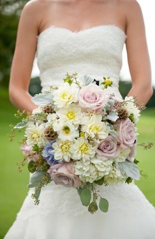 light-purple-blue-white-bouquet