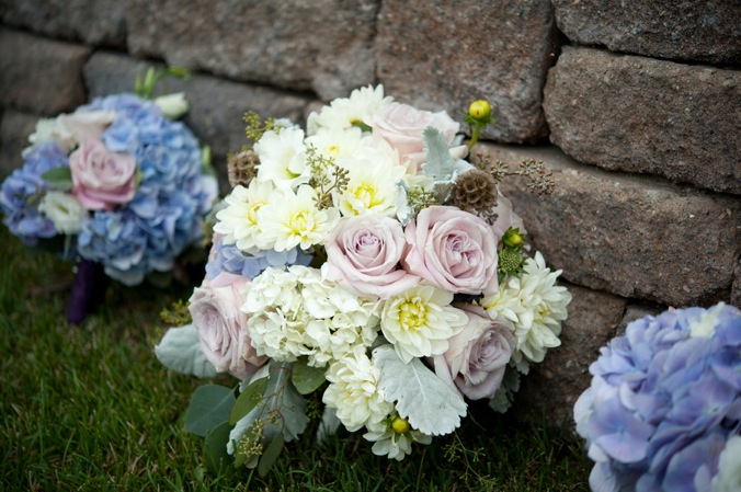 light-purple-blue-white-bouquet