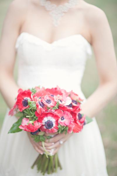 red anemone bouquet wedding