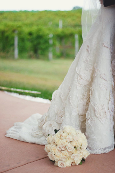 white-bridal-bouquet-dress