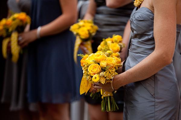 yellow bridesmiads bosuquet