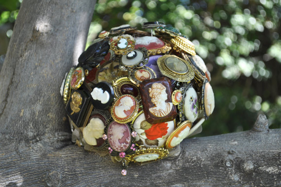 cameo-broach-bouquet