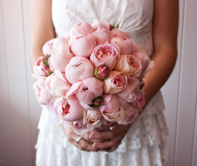 pastel pink bouquet for wedding