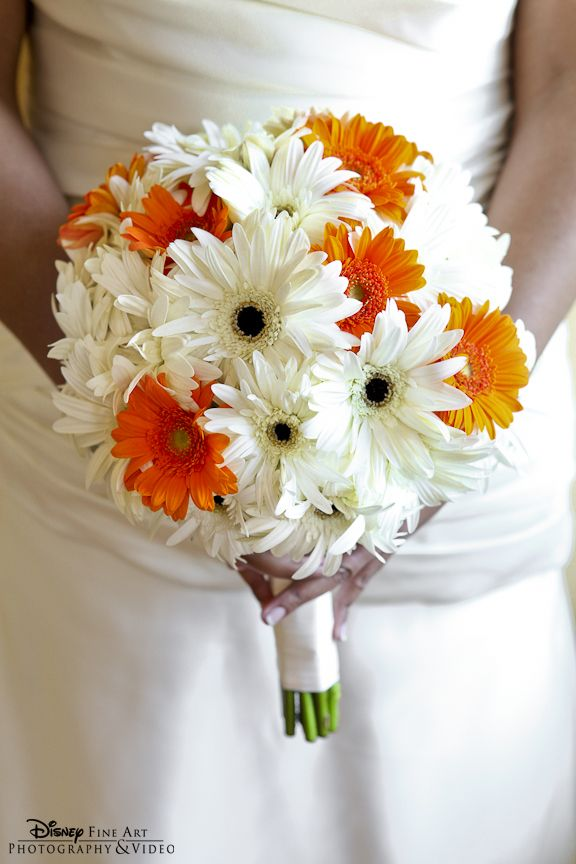 Daisies Bouquet in White and Orange