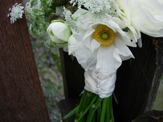 White Ranunculus, Blackberries, and Queen Anne's Lace Bouquet 1