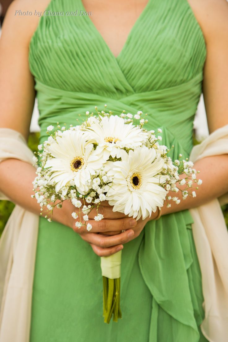 Bridesmaids Bouquet Of White Gerber Daisies And Babys Breath