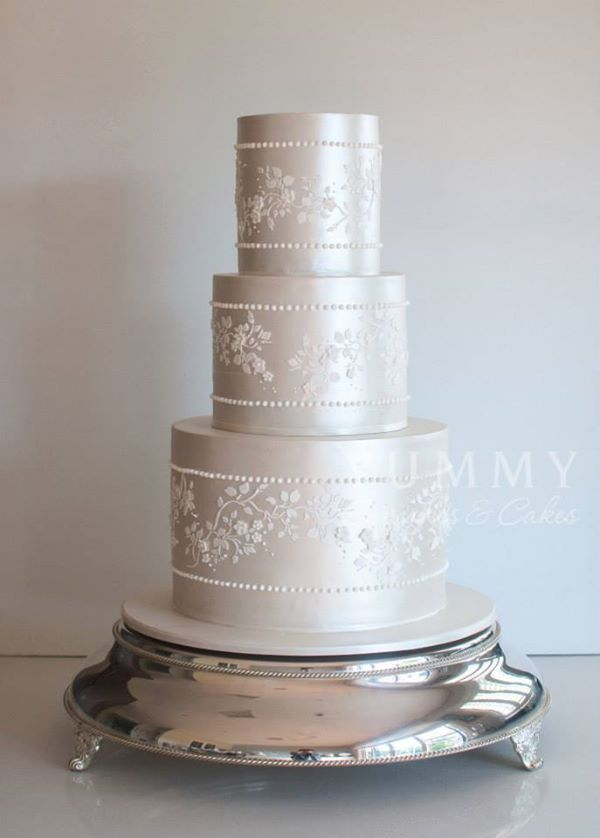 Wedgewood China Wedding Cake in Ivory