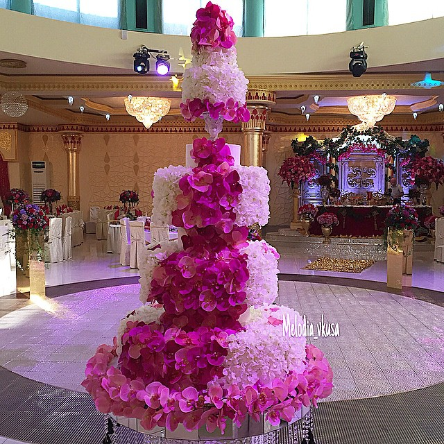 Chocolate Wedding Cake With Pink Flowers
