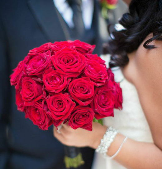 Red Roses Boquet And Wedding Cake Bouquet