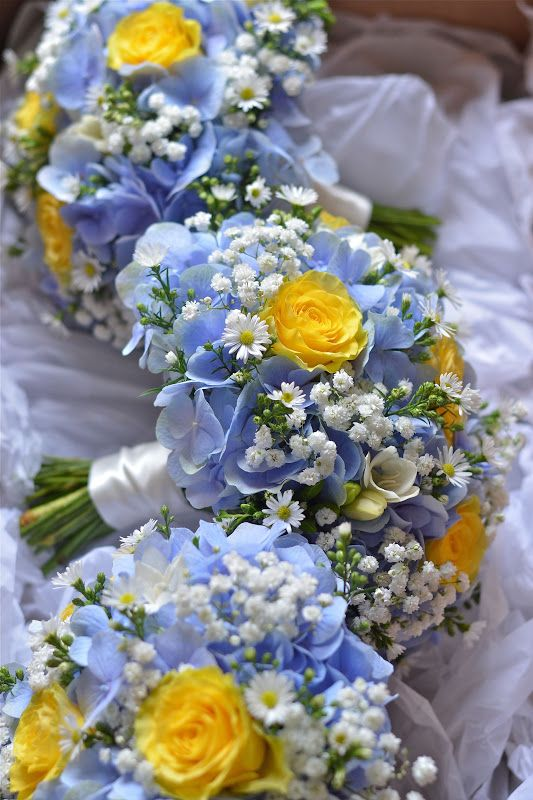 Blue hydrangeas and yellow roses 1