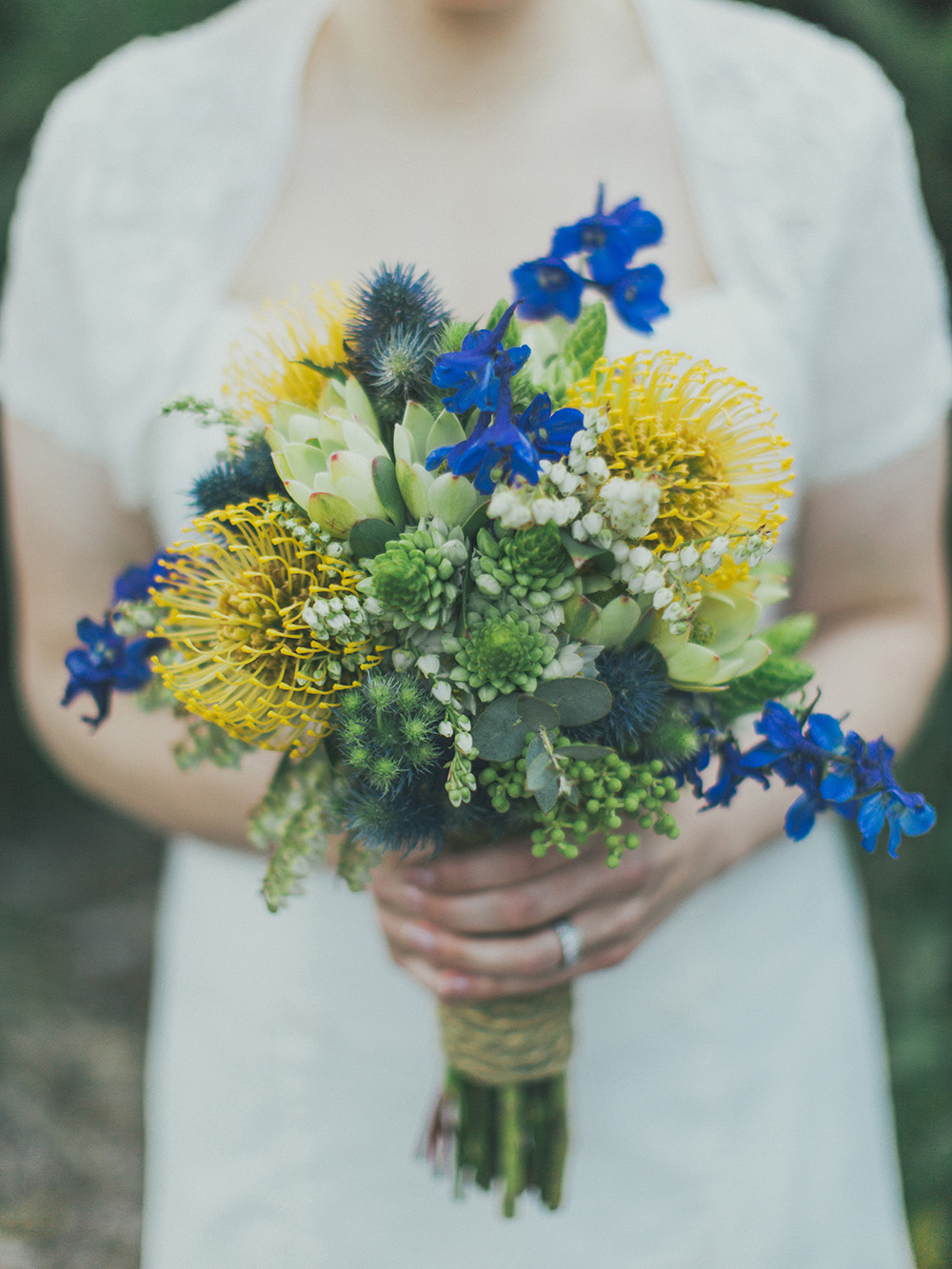 yellow blue bridal bouquet ideas